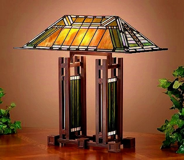 Beau Frank Lloyd Wright Mission Style Table Lamp